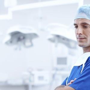 医者の年収は今後も高いまま?医師の給与に影響する要因を整理した