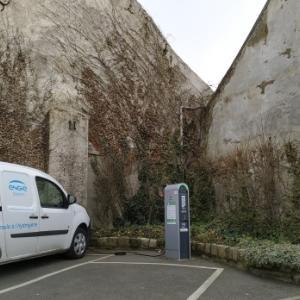 フランス 電気自動車の充電事情