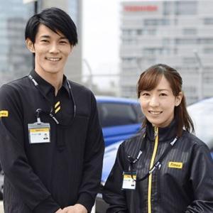 成田空港のターミナル内に受付カウンターがあるレンタカーで自主隔離先へ向かうのだ!