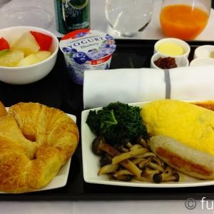 ANA成田ーシンガポール ビジネスクラス機内食と早朝のシルバークリスタルラウンジ