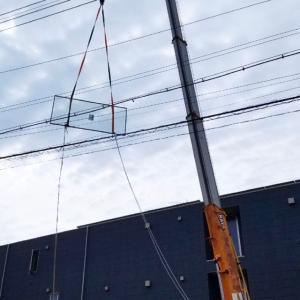 空飛ぶ窓ガラス!