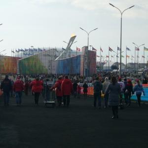 ロシアソチオリンピック旅行記4 広すぎる会場のにぎわい アイスバーグ・スケーティング・パレスへ