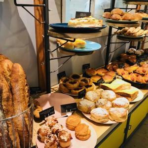 BEAVER BREAD(ビーバーブレッド) NHKの木南晴夏さんのパン旅にも登場した東日本橋のパン屋さんでおやつを買う