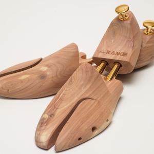 革靴履いているなら、シューキーパーは買っておいたほうがいい