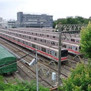 丸ノ内線の中野車両基地に行ったら、変な電車が居た件