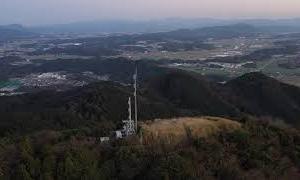 【宿泊旅行情報サイト】[Japan travel site]夕暮れの六ヶ岳(旭岳)・龍ヶ岳