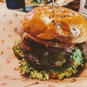 【おすすめバーガーレストラン】Bareburger フランクフルト ハンバーガー ボタニカル&モダン [ドイツでグルメ]