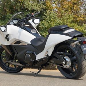 近未来的なバイク「ホンダNM4-02」…かっちょええ!知らなかったわ、、、