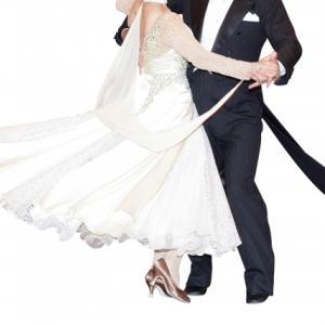 社交ダンスで姿勢をよくするための練習方法