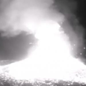世界各地で火山噴火!西之島で1800mの噴煙、クリュチェフスカヤ山でも5500m級!サンガイ火山では溶岩確認