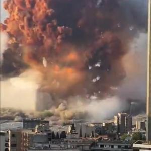 【速報】レバノンで大規模爆発!未曾有の大爆発に混乱、衝撃波で10キロ先にも被害!小型の戦術核に匹敵?