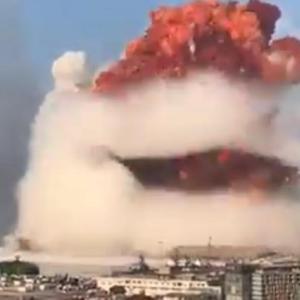 レバノンの大爆発、2700人以上が負傷!死者は70人以上 事故原因は不明 爆心地付近は建物の骨組みだけ