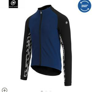Assosの冬用ジャケットと海外通販で返品した話