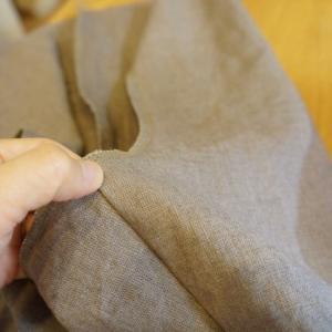 10/15  9月ご依頼分一番目の制作に入りました♪ ハンドメイドリネン服の制作