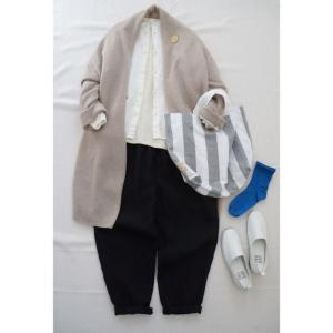 ベルギーリネンパンツと春色の靴下でナチュラルコーデ