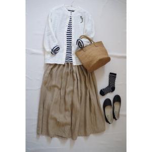 春のナチュラル服コーデ♪ふっくらリネンのスカートと白のシャツ