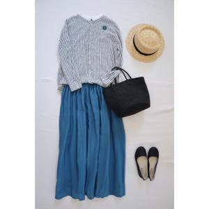 ブルーのリネンスカートでナチュラル服コーデ♪