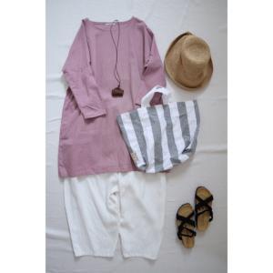 大人リネンのいつものワンピースピンクとナチュラル服コーデ