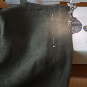 1/25のハンドメイドナチュラル服の制作。