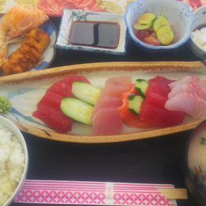 【優秀(ゆたしく)】糸満のおすすめ魚屋食堂!魚汁とお刺身食べたよって話