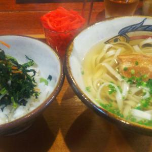 【木灰そば とらや】那覇空港周辺の食事におススメな沖縄そば屋さんの話