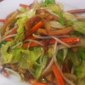 【いーばるや】糸満の食堂でイカチャンプルーと美味しい沖縄そば食べた話
