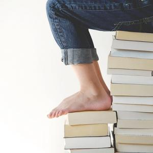 自己啓発本はただ読むだけではダメ!ポイントを抑えて実践するアウトプットの重要性を解説