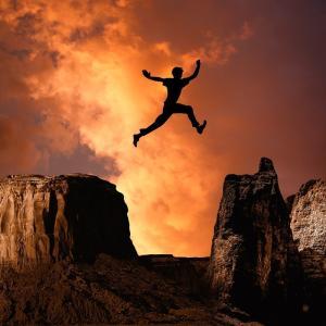 貴方はタイミングを図って次から次えと上手く飛び乗れますか?