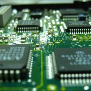 半導体は開発競争が激しい、そんな中で2ナノ開発のあの企業とは?