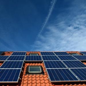 太陽光発電懐かしい。昔はいつか主流になるのかも、と真剣に思ってました。