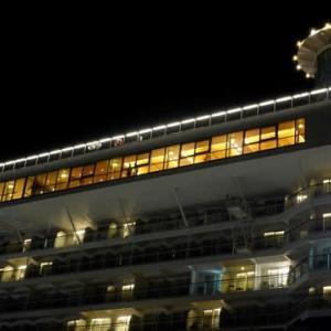マリンポートに一泊する客船