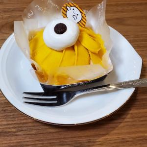 寛ぐ颯人君と(緣)さんのケーキ。