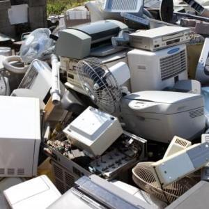 壊れてない不要な物は売るのが節約とは限らない!あえて捨てる選択肢もある