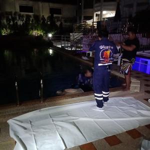 パタヤ)観光客がホテルのプールで溺死、持病の為か?