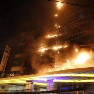 パタヤ)Holiday Innで大火災!約400人が避難(動画付き)