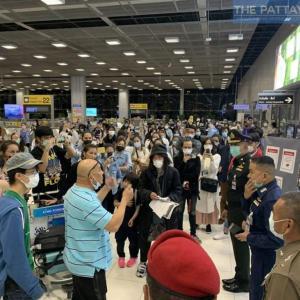 続報:タイ)帰国者の強制隔離拒絶事件、首相が当局に連絡するよう命令!