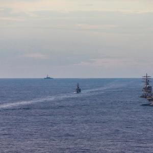 南シナ海で、海自2隻が米軍空母Ronald Reagan(CVN 76)と演習!(動画付き)