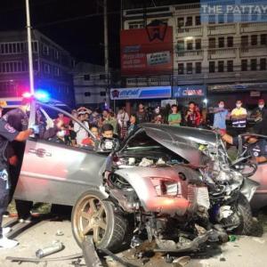 パタヤ)未明に公道でレース!140kmでトラックに突っ込み1人死亡、1人重傷