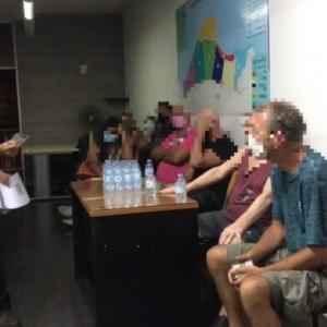 パタヤ)ジョムティエンのレストランで飲酒、外国人など15人逮捕