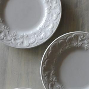 フランスアンティーク 白い食器たち グルニエイデコの次回更新内容です♪