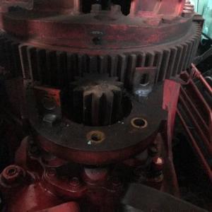 ユニッククレーン旋回減速機修理