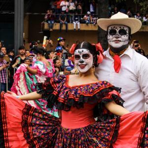 【DAY312・メキシコ】メキシコシティで死者の日パレードを見学💀