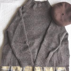 【ハイネックニット】茶色ブラウンのコーデ!冬の寒い日シェフパンツと合わせて