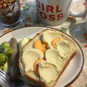 フムスで簡単ウェーブトースト 高タンパクでヘルシー朝ご飯