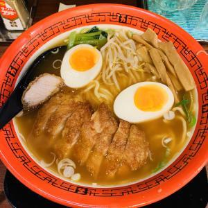 食べ歩き録 新宿駅西口「万世麺店」排骨拉麺・ジューシーなパーコーが美味!