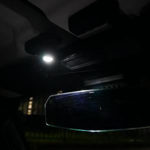 【ラングラーJL】運転席助手席用に室内灯をつけてみた