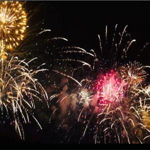 【スマホで花火の写真がキレイに簡単に残せる!!!】不器用な私が実践している<花火の撮影方法>