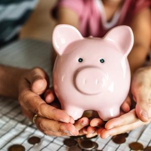 お金の使い方で人生は変わる。意識しておきたい4つの使い方!