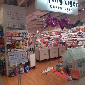 【買い物】弘大駅直結 ショッピングビル AK&の(ほぼ)全店舗写真!NANING9あったよ!【弘大】