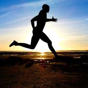走る姿勢は故障やケガに繋がります